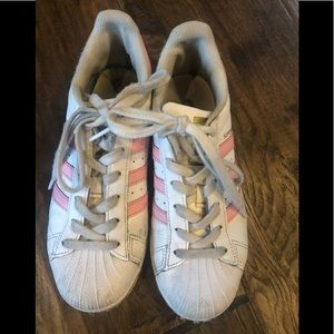 Girls Adidas Superstar Shoes- light pink. Size 4.5